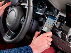 Українці створили розумне кріплення для смартфону, яке можна використовувати не тільки в автомобілі, а й удома