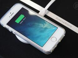 Без дротів: українці створили зарядку мрії для смартфона!